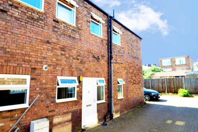 Thumbnail End terrace house to rent in Reginald Street, Luton