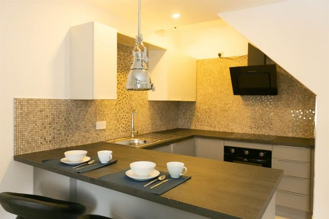 Thumbnail Flat to rent in Richmond Parc, Roath, ( 3 Beds ) T/F