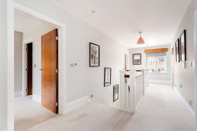 Picture No. 18 of Priest Hill Close, Epsom, Surrey KT17