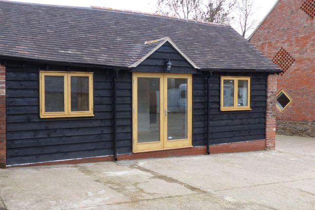Thumbnail Detached bungalow to rent in Lower Sandlin Farm, Leigh Sinton, Malvern