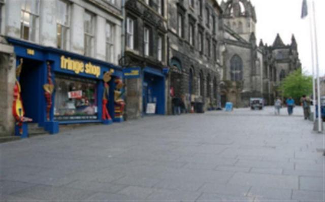 Thumbnail Flat to rent in Borthwicks Close, High Street, Edinburgh, 1rd