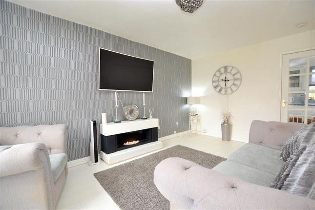Living Room of Kempton Grove, Cheltenham GL51