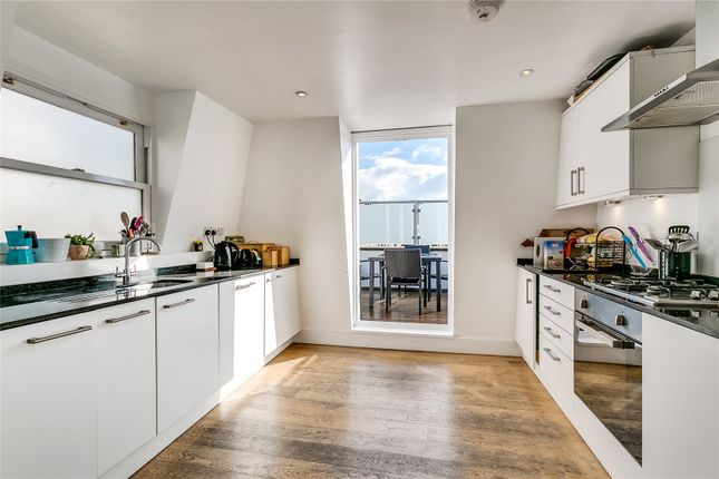 Thumbnail Flat for sale in Battersea Rise, London