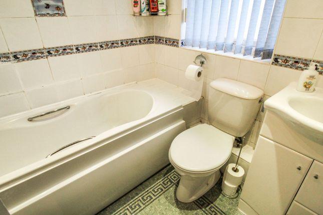 Bathroom of Lunar Road, Liverpool L9