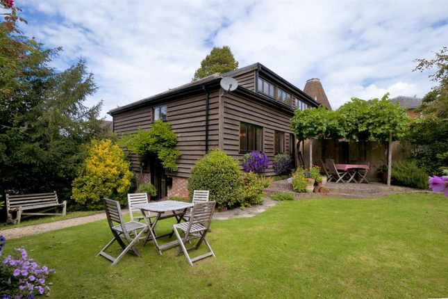 Thumbnail Semi-detached house for sale in Yalding Hill, Yalding, Maidstone