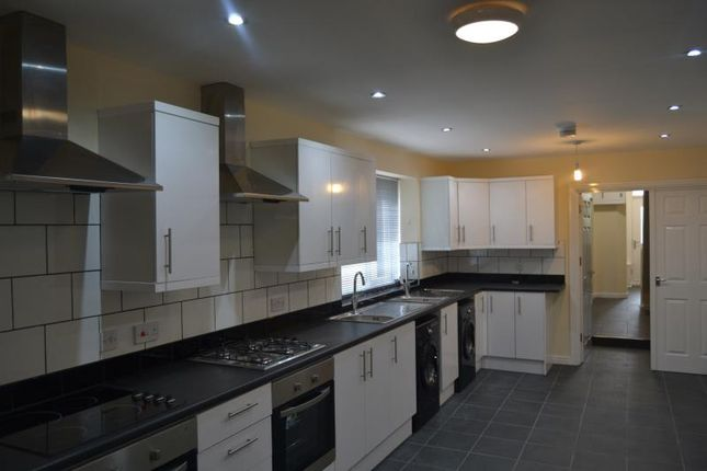 Thumbnail Flat to rent in 123, Richmond Road, Roath, Cardiff, South Wales