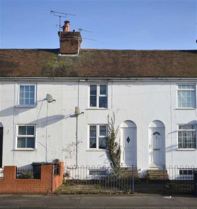 Thumbnail Terraced house to rent in New Street, Ashford, Kent