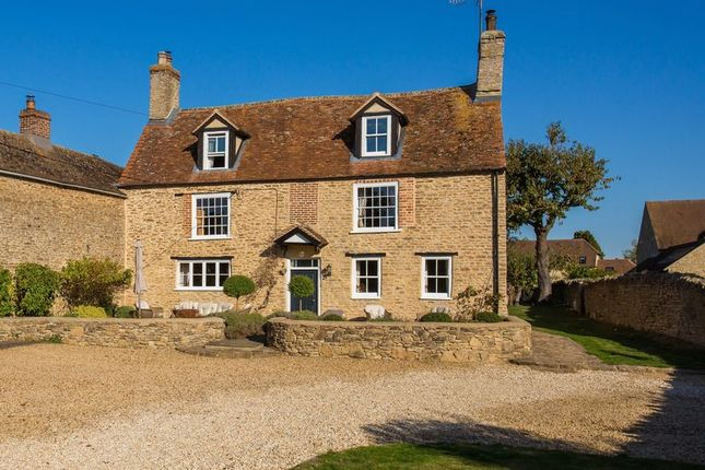 Thumbnail Farmhouse for sale in Mill Road, Marcham, Abingdon