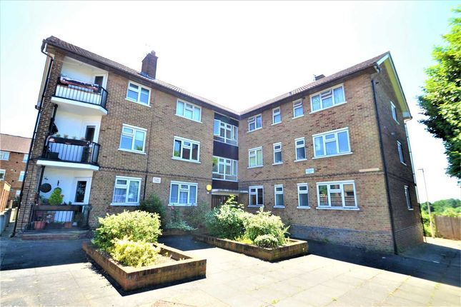Thumbnail Flat for sale in Vicarage Court, Vicarage Road, Woodford Green