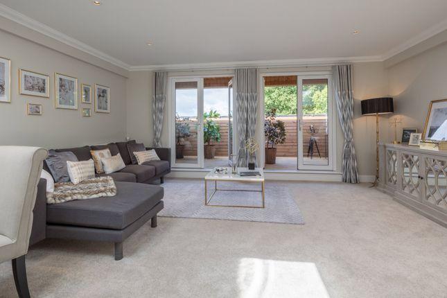 Lounge of 19 Elmbridge Manor, Elmbridge Village, Cranleigh, Surrey GU6