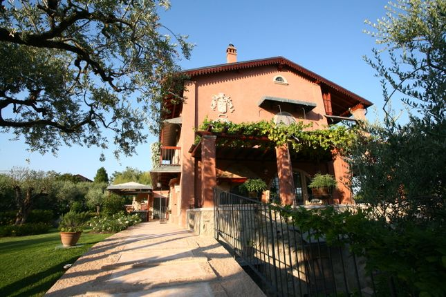 Padenghe sul garda lake garda italy 7 bedroom villa for for Balcony 412 sul