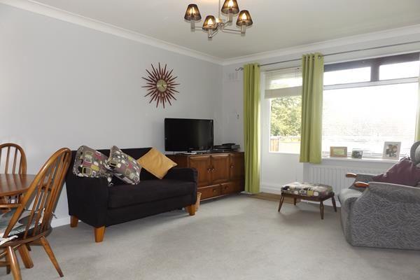 Thumbnail Flat for sale in Garden Court, Greenacres, Eltham