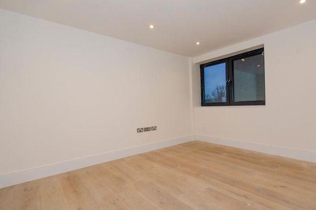A Bedroom 3 of Brownlow Road, London N11