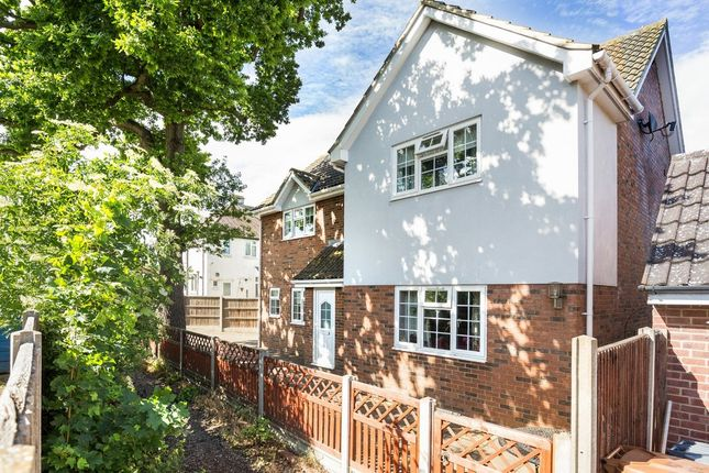 Thumbnail Detached house for sale in Folly Close, Hitchin, Hertfordshire