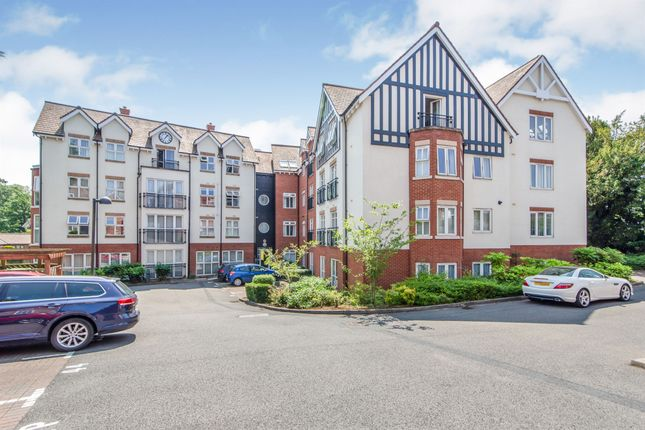 Thumbnail Flat for sale in Honeywell Close, Oadby, Leicester