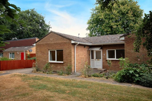 Thumbnail Terraced bungalow to rent in Teversham Drift, Cherry Hinton, Cambridge