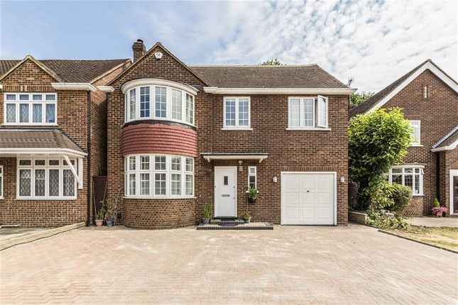 Thumbnail Detached house for sale in Elizabeth Way, Feltham
