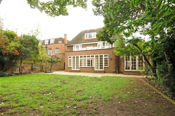 Photo 4 of Springfield Road, London NW8