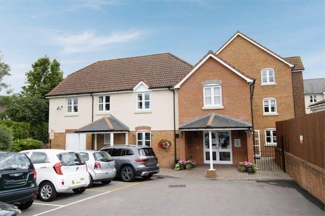 Thumbnail Flat for sale in Salisbury Street, Fordingbridge, Hampshire