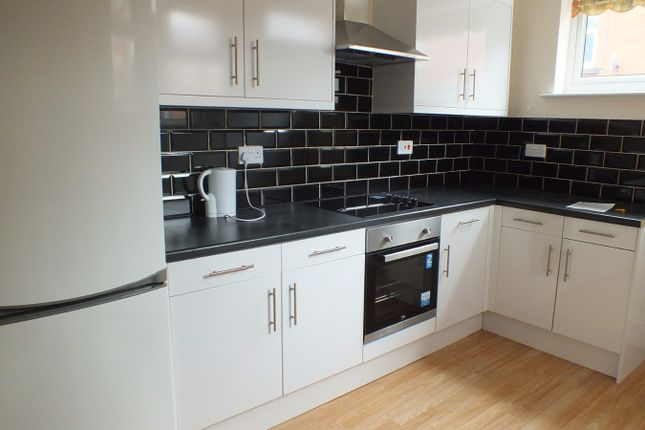 Thumbnail Shared accommodation to rent in Headingley Mount, Leeds, West Yorkshire