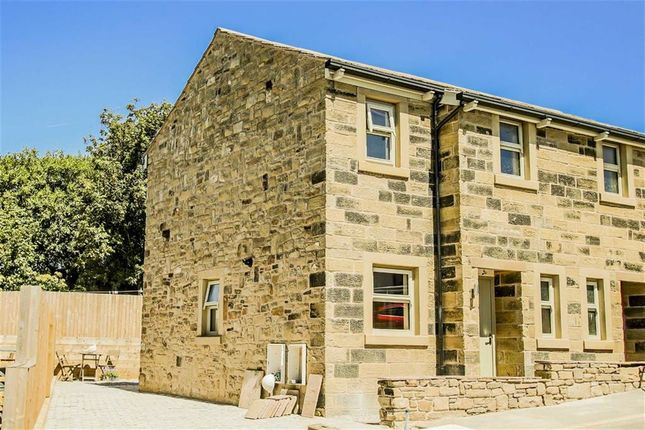 Thumbnail Cottage for sale in Wallhurst Close, Worsthorne, Lancashire