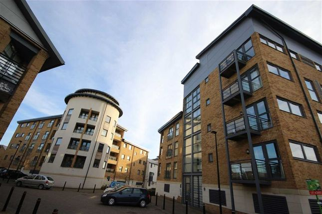 Thumbnail Flat to rent in Waterlily Court, Swindon, Wiltshire