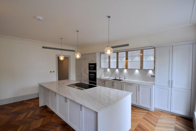 Thumbnail Flat for sale in Leinster Square, Bayswater