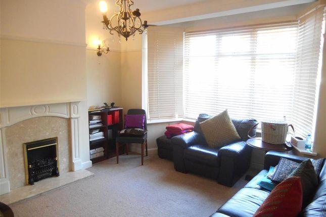 Lounge of Maybank Avenue, London E18