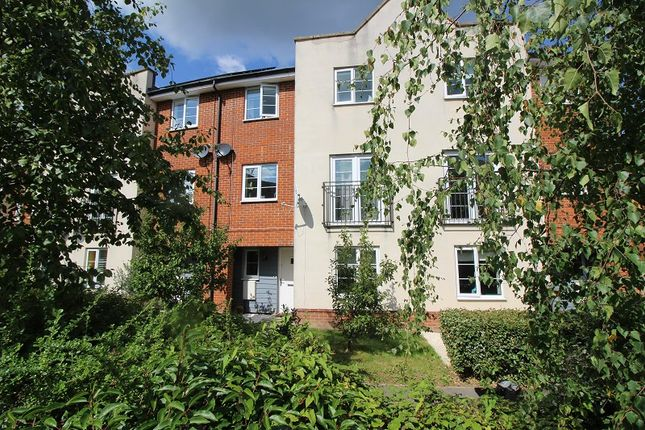 Thumbnail Town house to rent in Grayrigg Road, Maidenbower, West Sussex