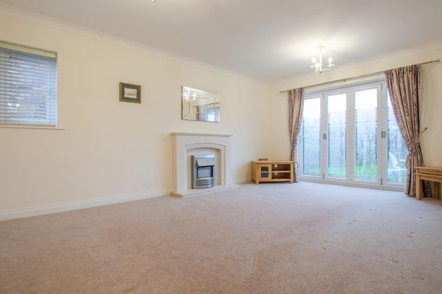 3 bed bungalow to rent in Dales Court, Heworth, York YO31