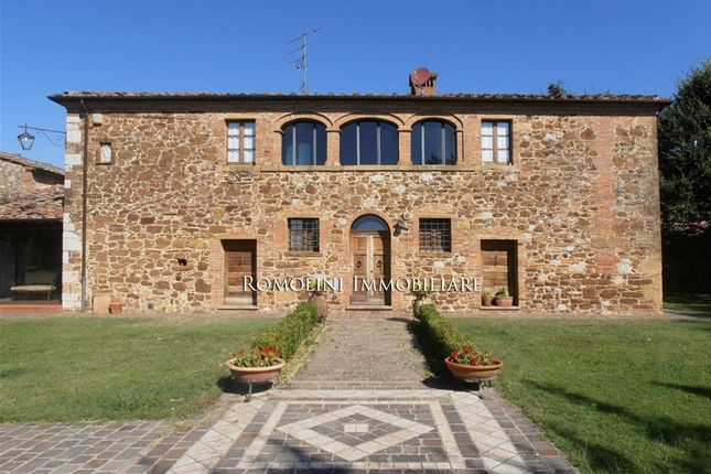 8 bed farmhouse for sale in Trequanda, Tuscany, Italy