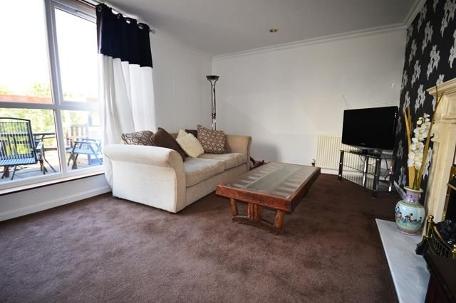 Thumbnail Flat to rent in Fair A Far, Edinburgh