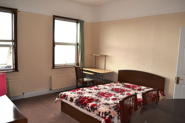 Thumbnail Flat to rent in Boot Parade, High Street, Edgware