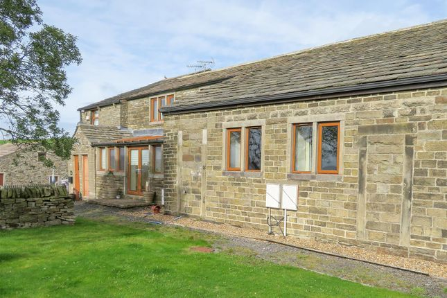 Thumbnail Cottage to rent in Parrock Lumb, Todmorden Road, Bacup