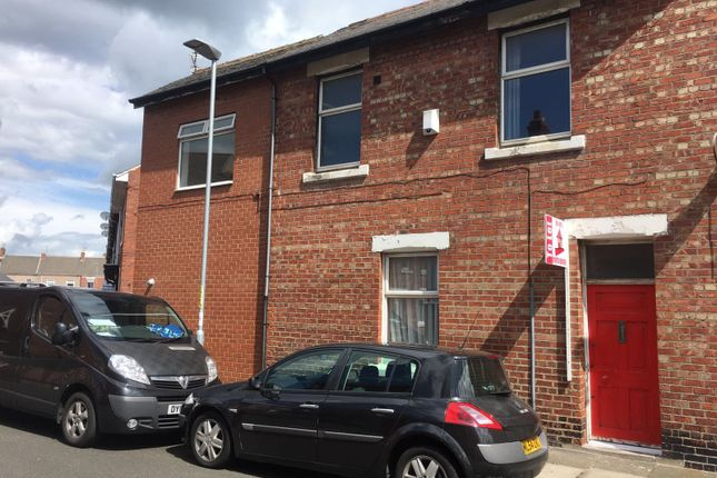 2 bed terraced house to rent in Maughan Street, Blyth