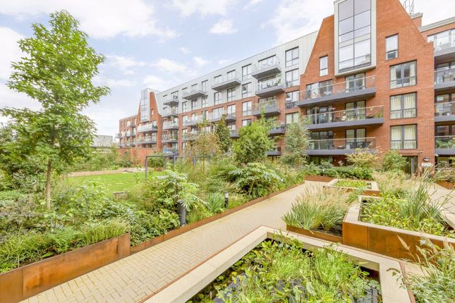 Flat for sale in Gaumont Place, London