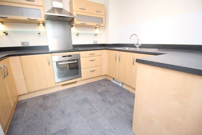Thumbnail Flat to rent in Gisors Road, Southsea