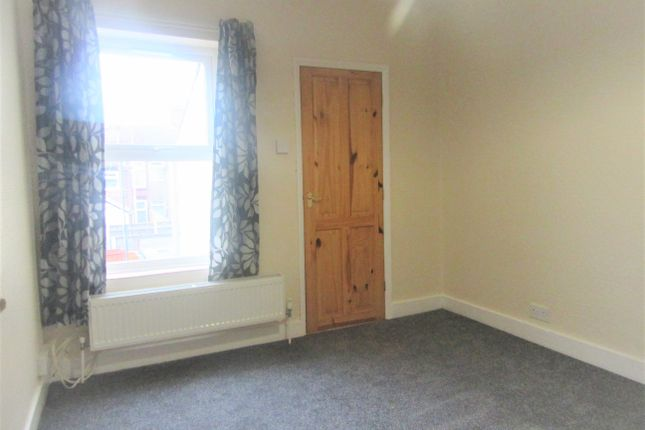Bedroom 2 Middle of Sandringham Road, Lowestoft NR32