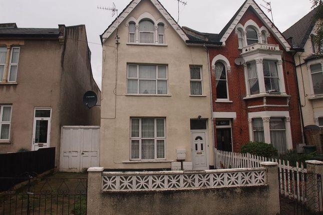 Thumbnail Property for sale in Whittington Road, London