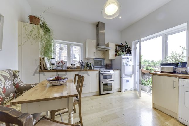 Thumbnail Flat for sale in The Avenue, Brondesbury