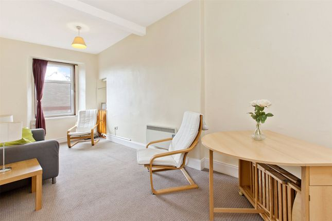 Living Room of Causewayside, Newington, Edinburgh EH9