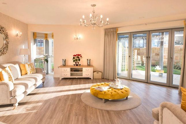 Thumbnail Flat for sale in London Road, Ruscombe, Reading