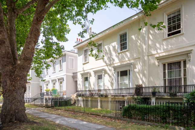1 bed flat to rent in Pittville Lawn, Cheltenham GL52