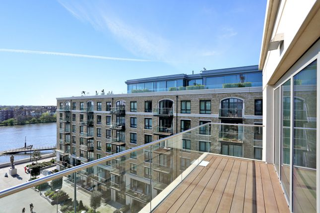 Thumbnail Flat for sale in Faulkner House, Fulham Reach, Hammersmith