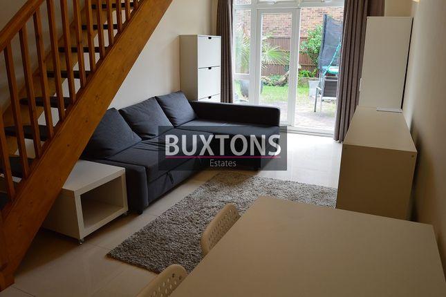 Maisonette to rent in Shaggy Calf Lane, Slough, Berkshire.