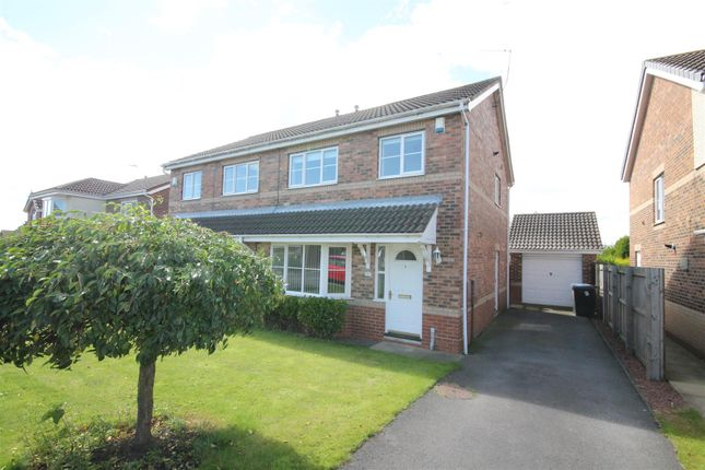 3 bed semi-detached house to rent in Abbey Gardens, Willington, Crook