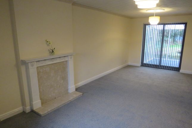 Living Room of Muirfield Avenue, Doncaster DN4
