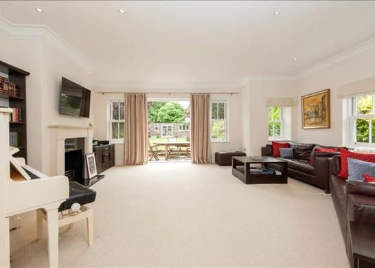 Picture No. 08 of Palace Road, East Molesey, Surrey KT8