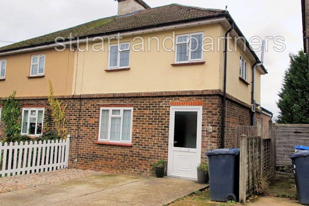 Thumbnail Semi-detached house to rent in Glebe Road, Cuckfield