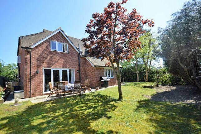 Thumbnail Detached house for sale in Grayshott Road, Headley Down, Bordon